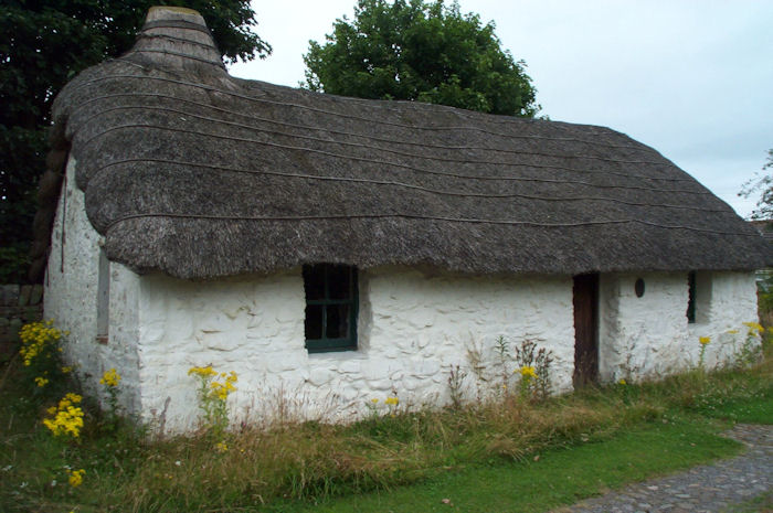 Cruck Cottage, Torthorwald near Dumfries
